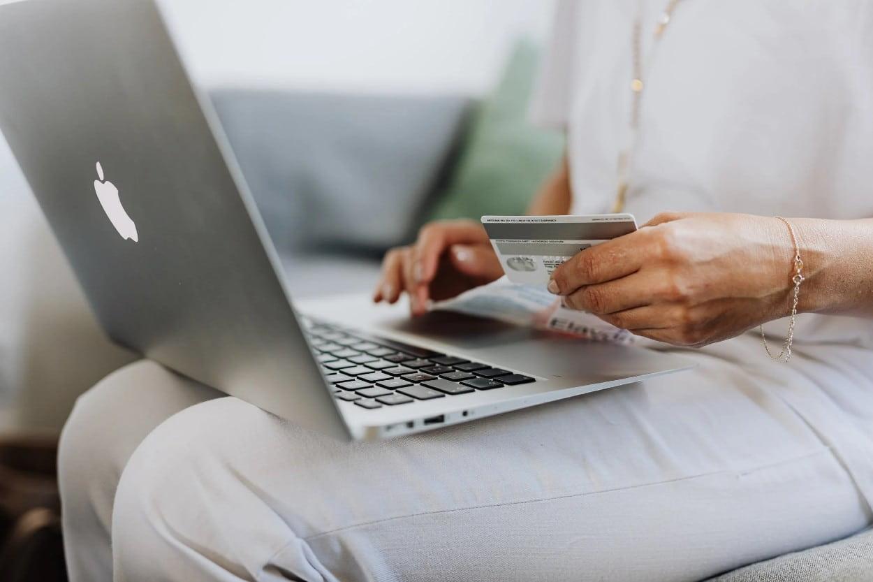 Transacción en comercio electrónico